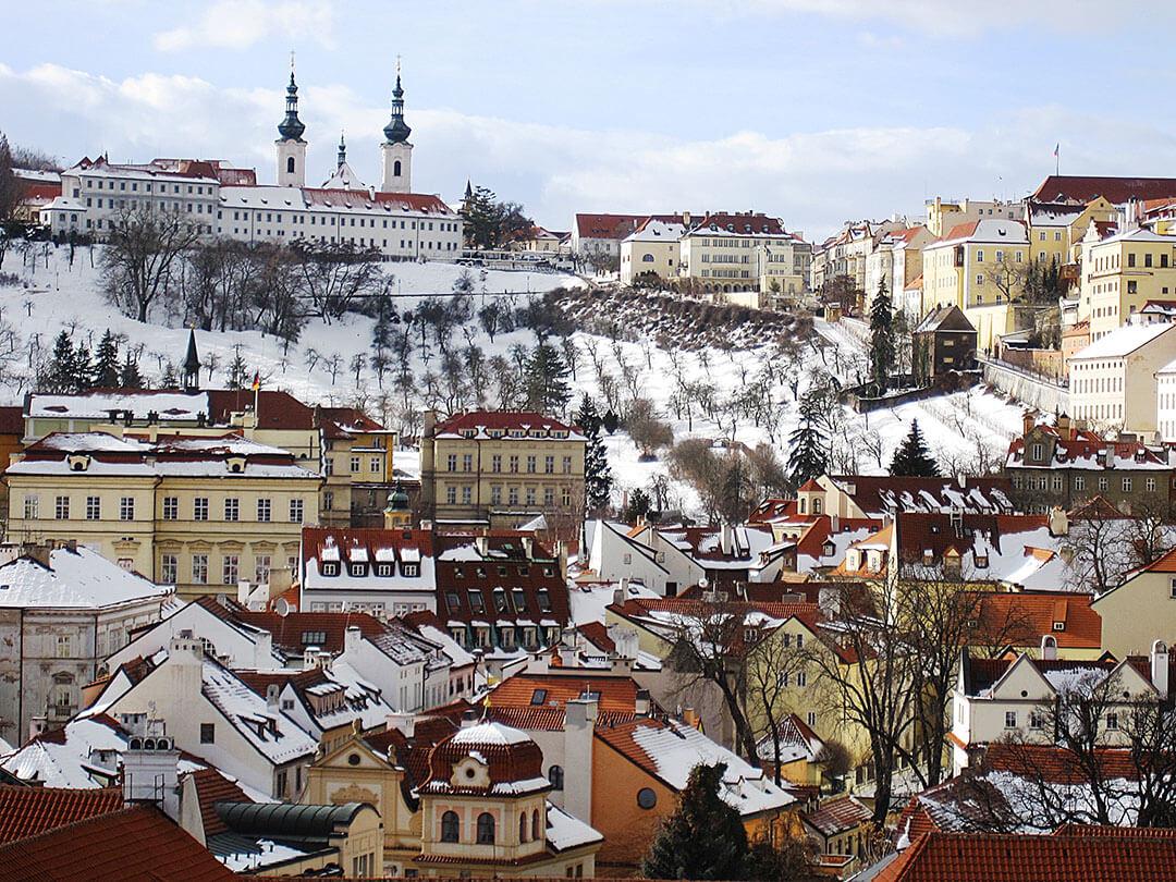 snow in Mala Strana