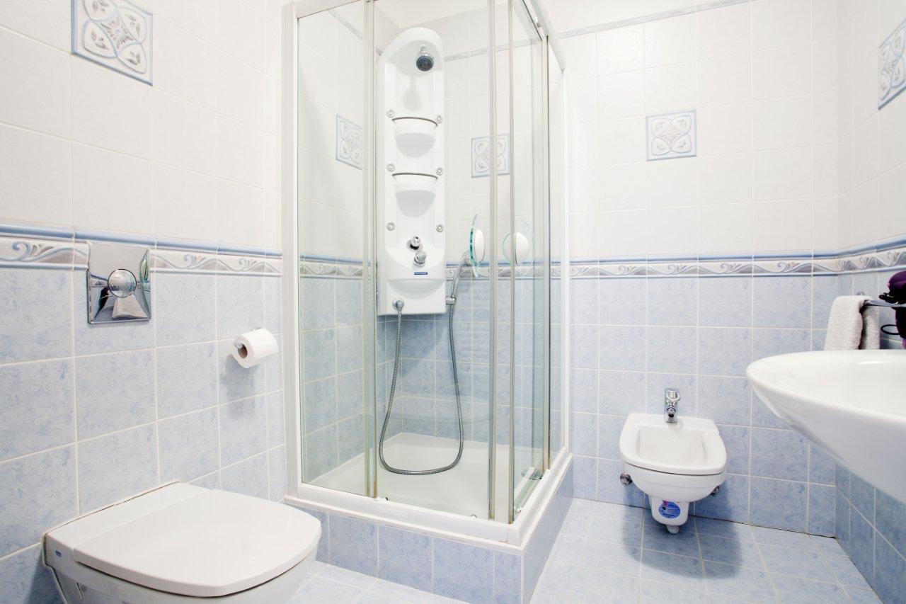 Magdalena apartment bathroom