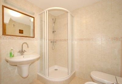 Silvia apartment bathroom