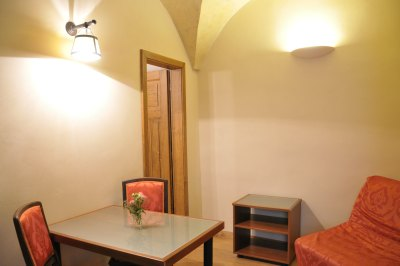Silvia apartment dining area