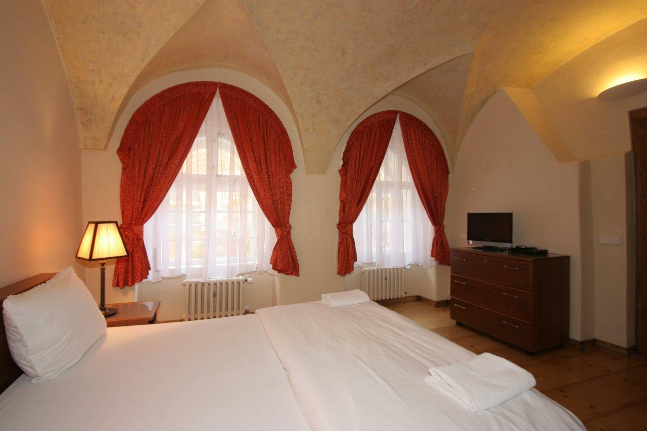 silvia apartment bedroom with windows