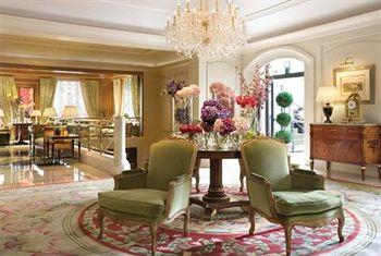 Four Seasons Hotel Prague lobby