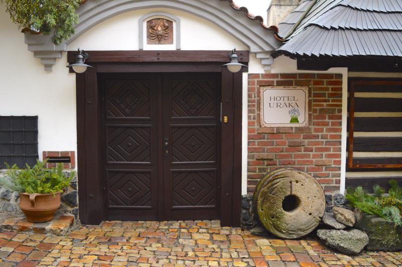 Main door of Hotel u Raka